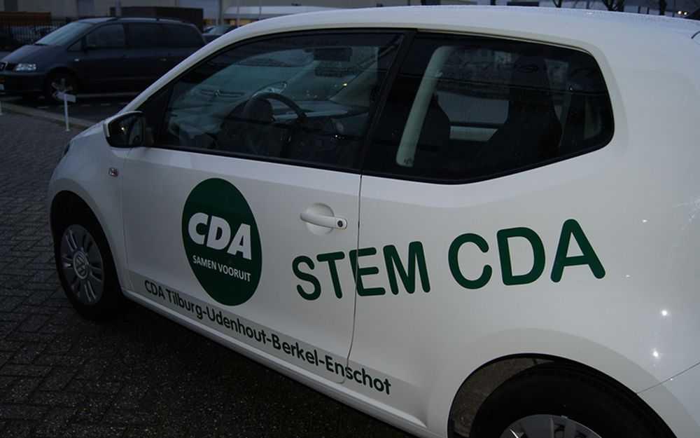 Logo op bedrijfswagen voor CDA