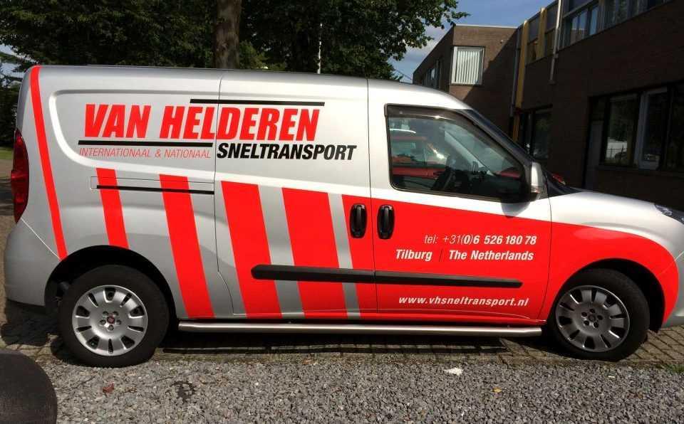 Autobelettering bedrukken merk logo bedrijfswagen