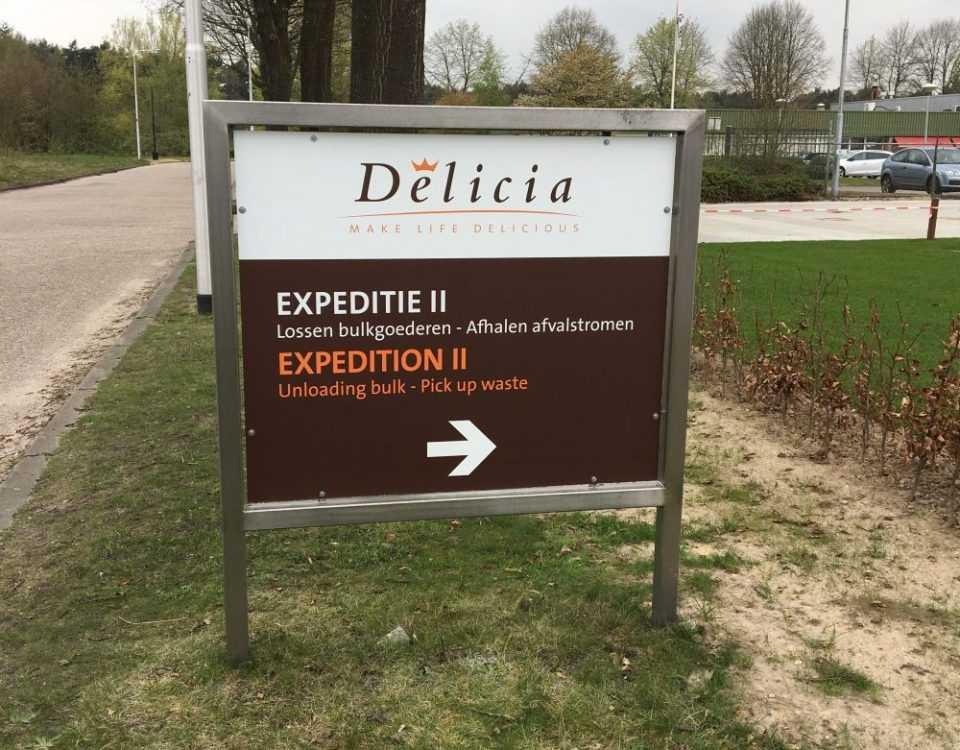 Delica Bewegwijzering met logo
