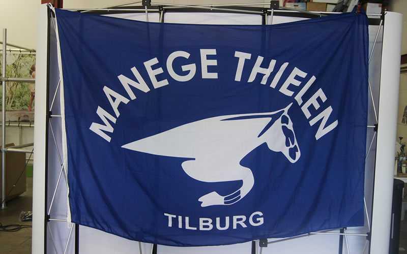 Manege Thielen Vlaggen