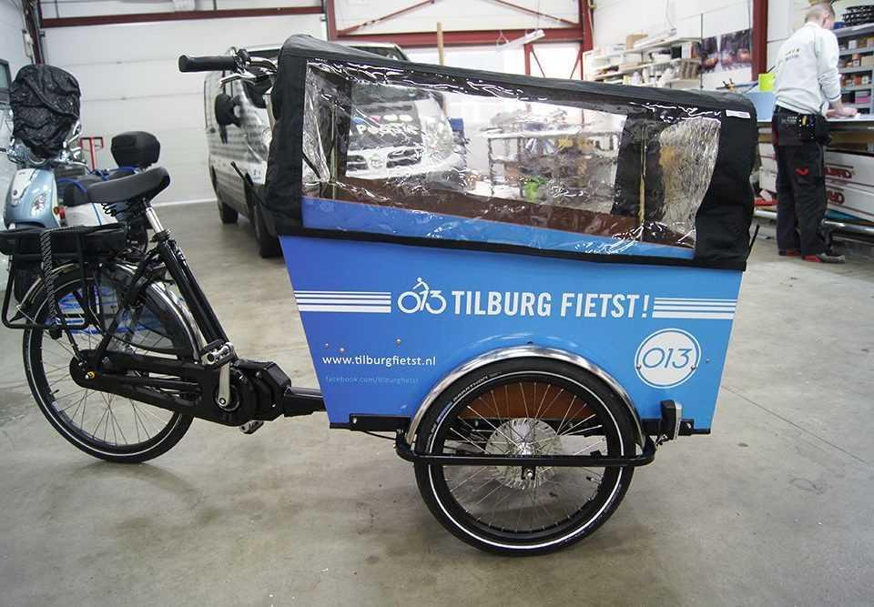Bakfiets met logo Tilburg Fietst