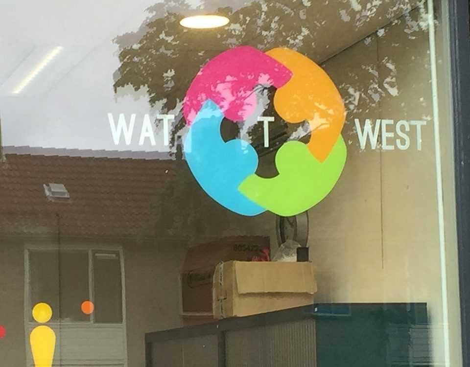 Watt West raambelettering
