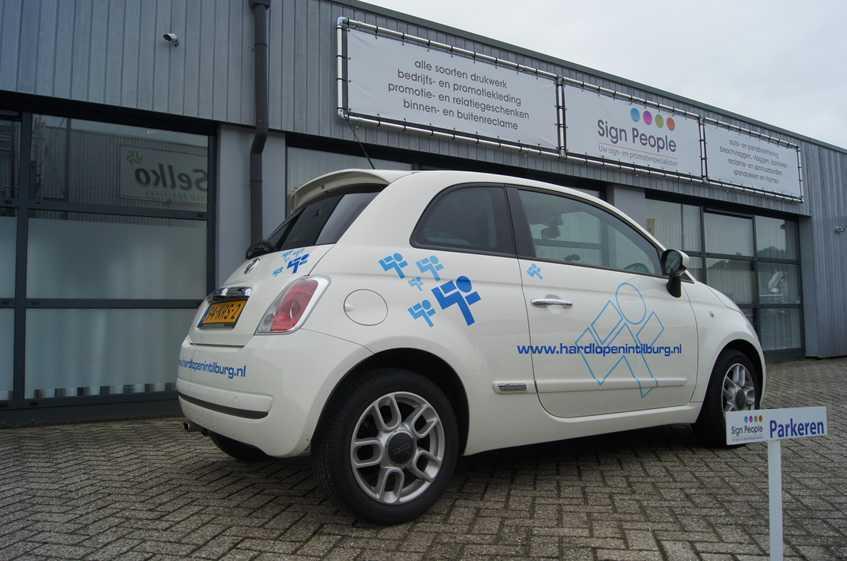Hardlopen in Tilburg Autobelettering