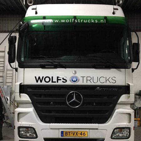 Belettering van vrachtwagen