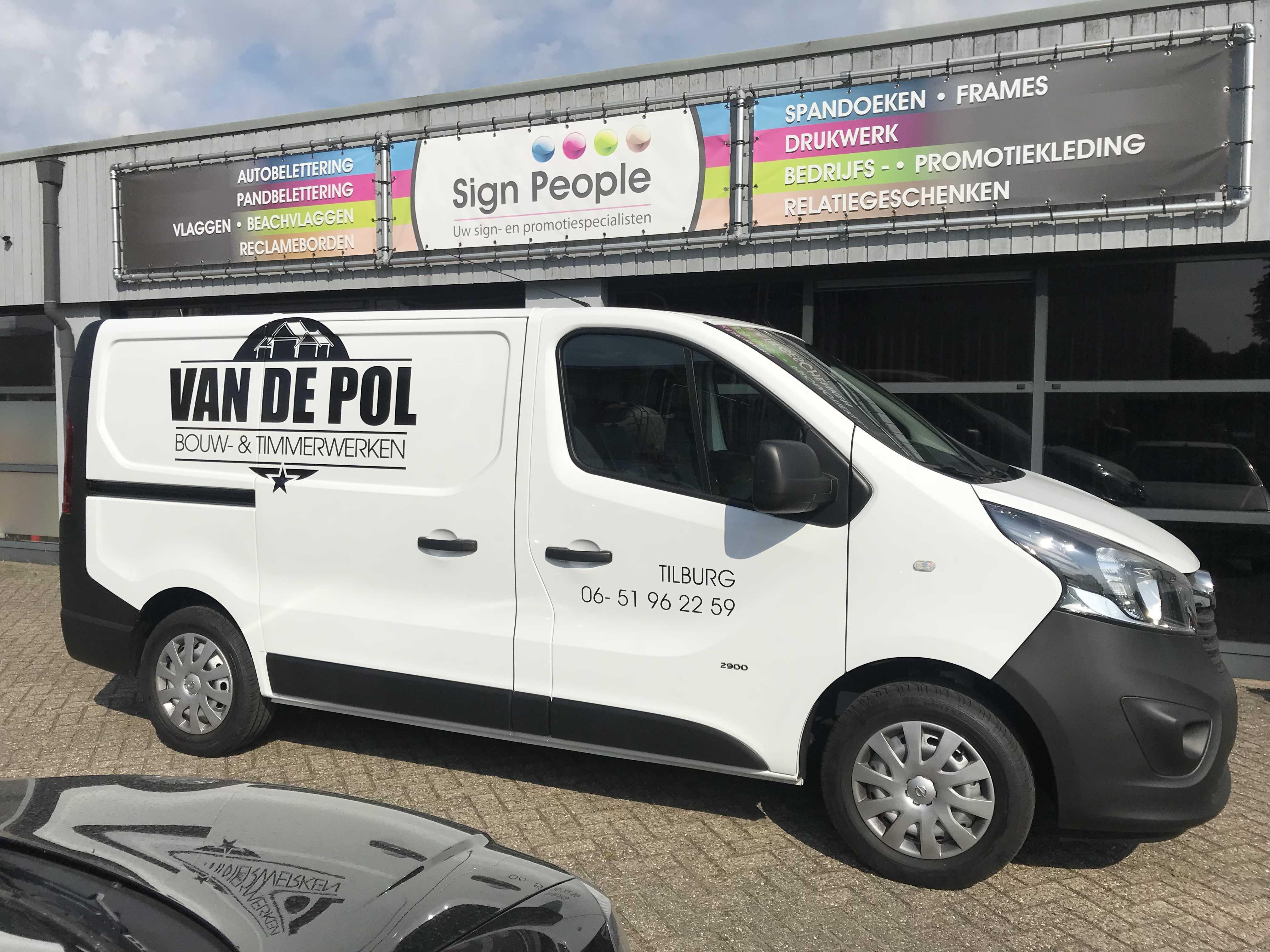 Autobelettering van de Pol logo tekst ontwerp bedrijfswagen