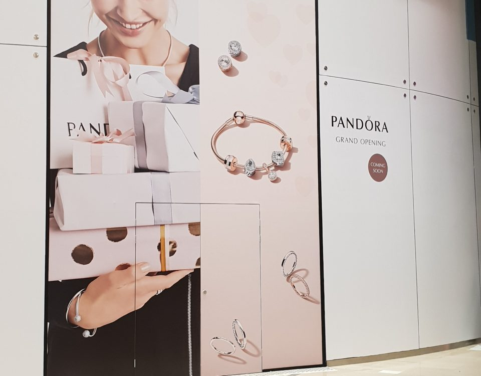 Pandora reclame raamfolie