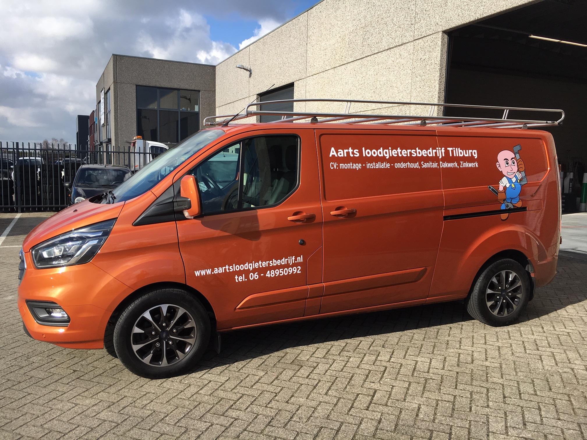 Aarts loodgietersbedrijf Tilburg bedrijfsbus reclame carwrap